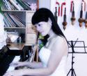 余正英 钢琴、电子琴、葫芦丝